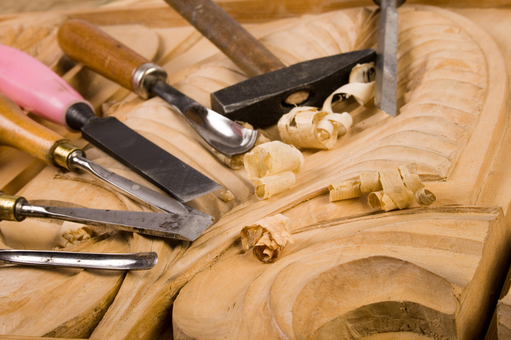 Do You Need a Wood Carving Set? Beginning Wood Carving 101