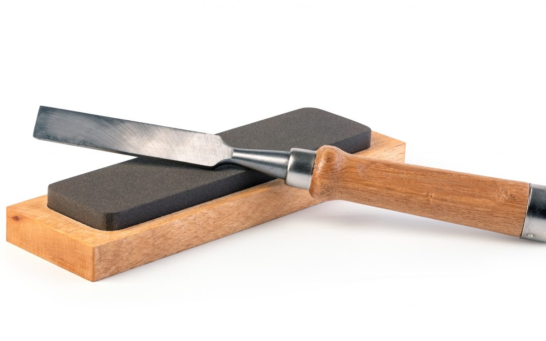 How to Sharpen Your Chisel Using the Stone Sharpening Method