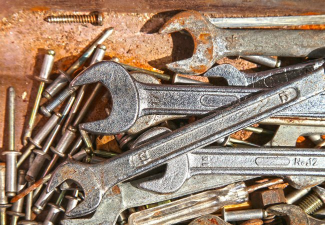 A Few Simple Ways to Remove Rust from Tools