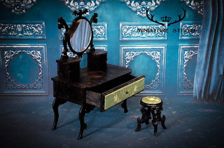 12 Best Gothic Furniture – The Most Eye Catching And Distinctive Style