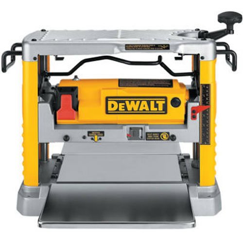 dw734 features a Three knife cutter-head with 10,000 RPM provides 96 cuts per inch, one of the finest finishes of any portable planer