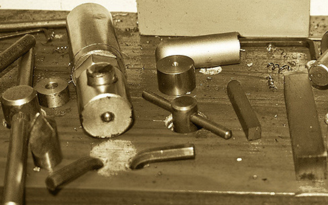 Lathe chuck keys and spanners